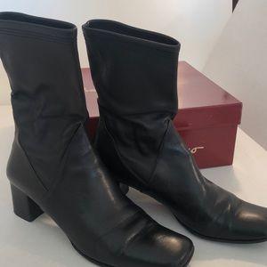Salvatore Ferragamo woman's boots 7.5 black calf